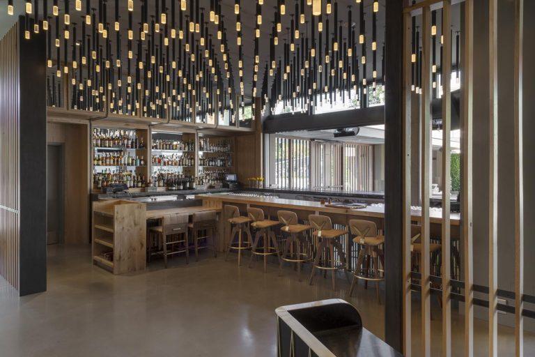 oak+violet bar